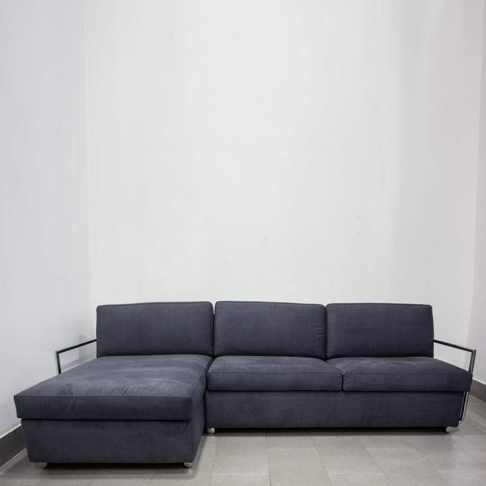 divano-grigio-lungo